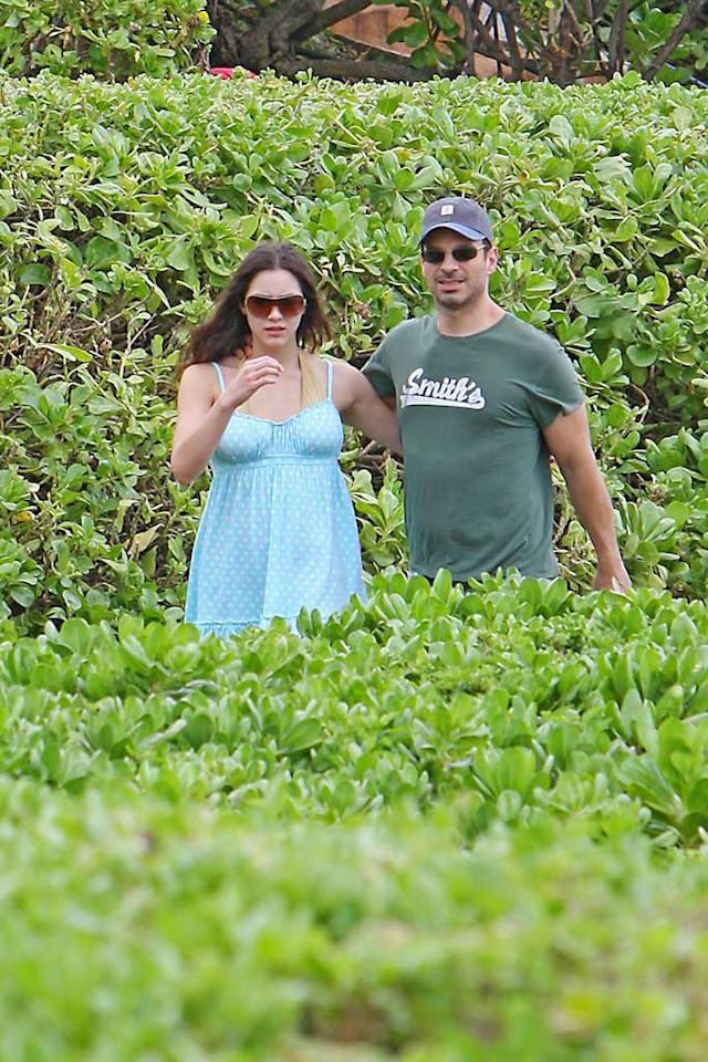 "Newlyweds Katharine McPhee and Nick Cokas were spotted enjoying their Hawaiian honeymoon on Wednesday. The ""American Idol"" has shrugged off the 19-year age difference between her husband and herself, saying older men are ""less about themselves and more about you."" <a href=""http://www.splashnewsonline.com"" target=""new"">Splash News</a> - February 6, 2008"