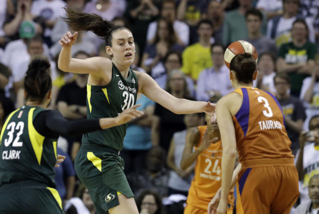 A group representing a bid for a WNBA team in Toronto will file paperwork in time for the 2020 season. (AP Photo/Elaine Thompson)
