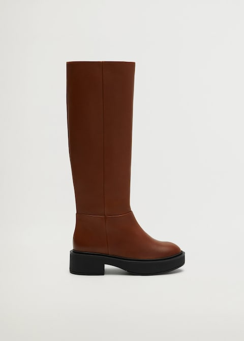 "<br><br><strong>Mango</strong> Leather Boots With Tall Leg, $, available at <a href=""https://go.skimresources.com/?id=30283X879131&url=https%3A%2F%2Fshop.mango.com%2Fus%2Fwomen%2Fshoes-leather%2Fleather-boots-with-tall-leg_77065937.html"" rel=""nofollow noopener"" target=""_blank"" data-ylk=""slk:Mango"" class=""link rapid-noclick-resp"">Mango</a>"