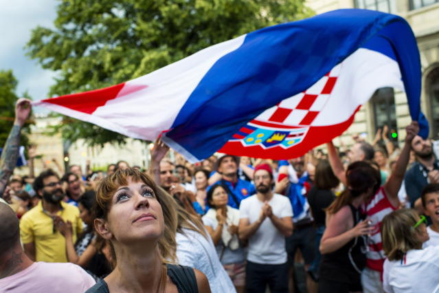 """PHU30851 PUVI. (Switzerland Schweiz Suisse), 15/07/2018.- A supporter of Croatia is disappointed during the public viewing of the FIFA 2018 World Cup final soccer match between France and Croatia, in a fan zone at """"The Great Escape"""", in Lausanne, Switzerland, 15 July 2018. (Croacia, Mundial de Fútbol, Suiza, Francia, Estados Unidos) EFE/EPA/JEAN-CHRISTOPHE BOTT"""