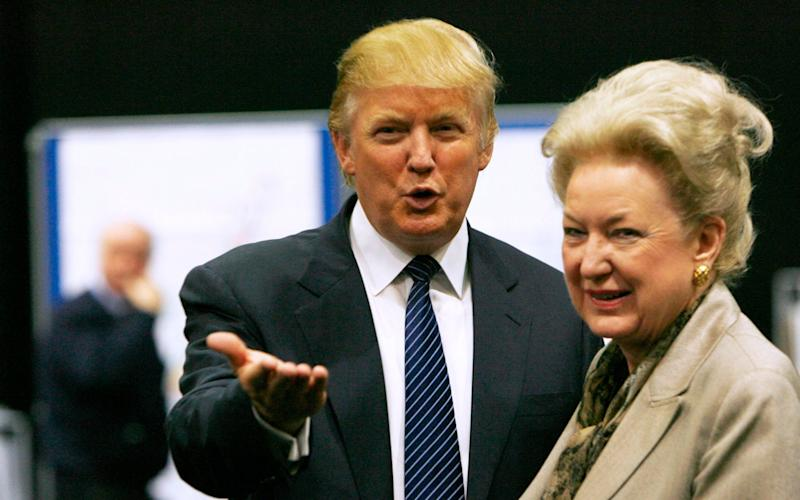 Donald Trump with his sister Maryanne Trump Barry in 2008 - REUTERS/David Moir