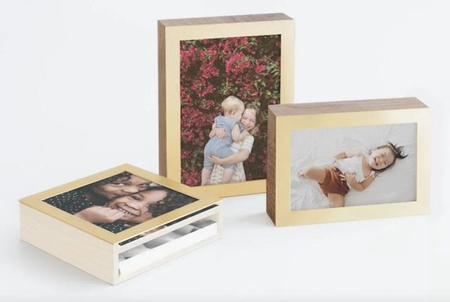 Put together the gallery of your dreams with Artifact Uprising's photo  display box: 'The perfect gift!'