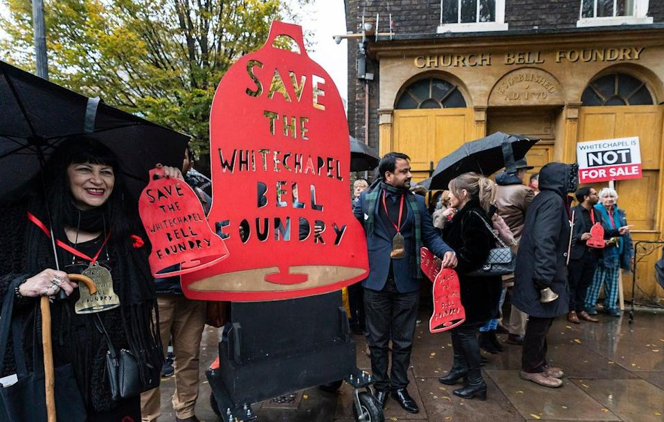 <p>Protesters outside the Whitechapel Bell Foundry </p> (© 2019 Andrew Baker)