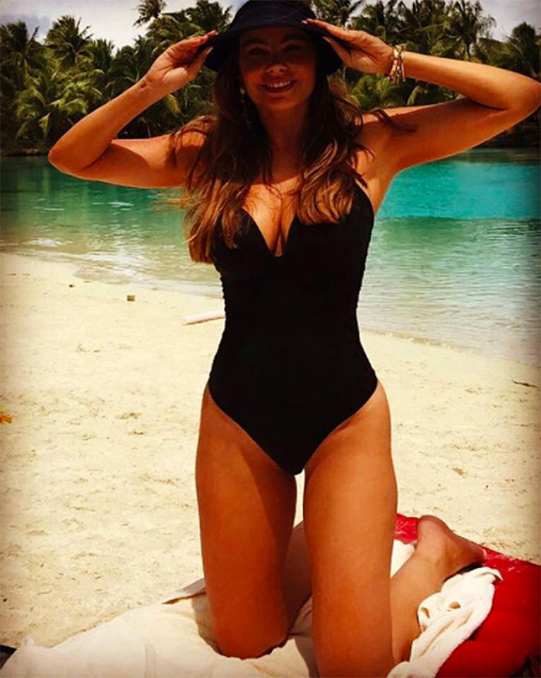 "<p>The <i>Modern Family</i> siren has been spending the holidays with her family in ""Paraiso"" — or paradise, for those of you who don't speak Spanish! As a result, she's been sharing lots of beach pics, including this shot of her in a low-cut one-piece. (Photo: <a rel=""nofollow"" href=""https://www.instagram.com/p/BOYcSYfgGwt/"">Instagram</a>) </p>"