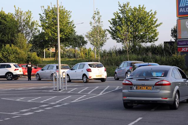 Chicken lovers rushed to the fast-food giant's branch in Rhuddlan. (Wales News)