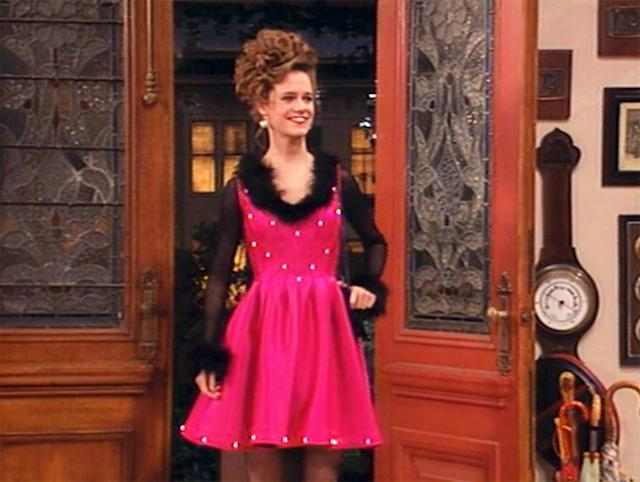 <p>Let's not forget the light-up dress worn by Kimmy Gibbler (Andrea Barber), with a purse that served as a battery pack. (Photo: ABC) </p>