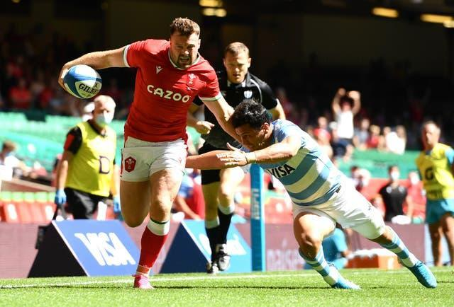 Owen Lane goes over for Wales