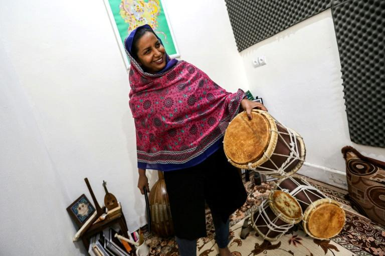 Pippeh player Malihe Shahinzadeh said the band had to hastily re-arrange its routine and rehearse singing in chorus after learning a few days before the festival that they would be performing for both men and women