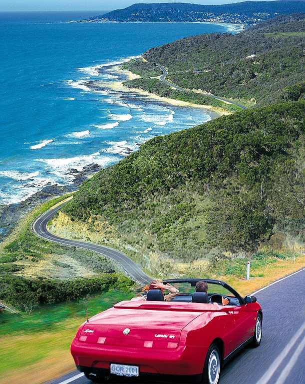 Discover the most beautiful touring routes such as the Great Ocean Road in Victoria, Australia.