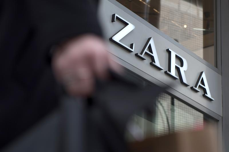 LONDON, ENGLAND - OCTOBER 16: A general view of fashion retailer ZARA store on Oxford Street on October 16, 2019 in London, England. (Photo by John Keeble/Getty Images)
