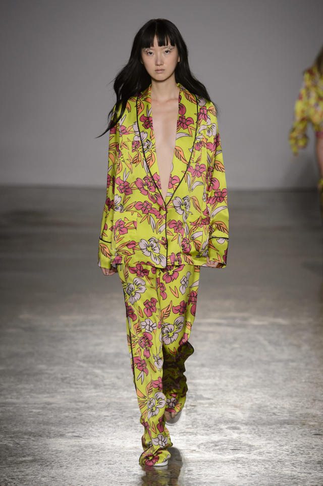<p><i>Model wears a colorful, green and pink floral printed pajama set from the SS18 Christiano Burani collection. (Photo: ImaxTree) </i></p>