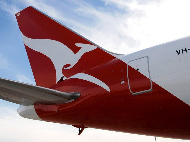 Qantas confirms 10-year deal with Emirates