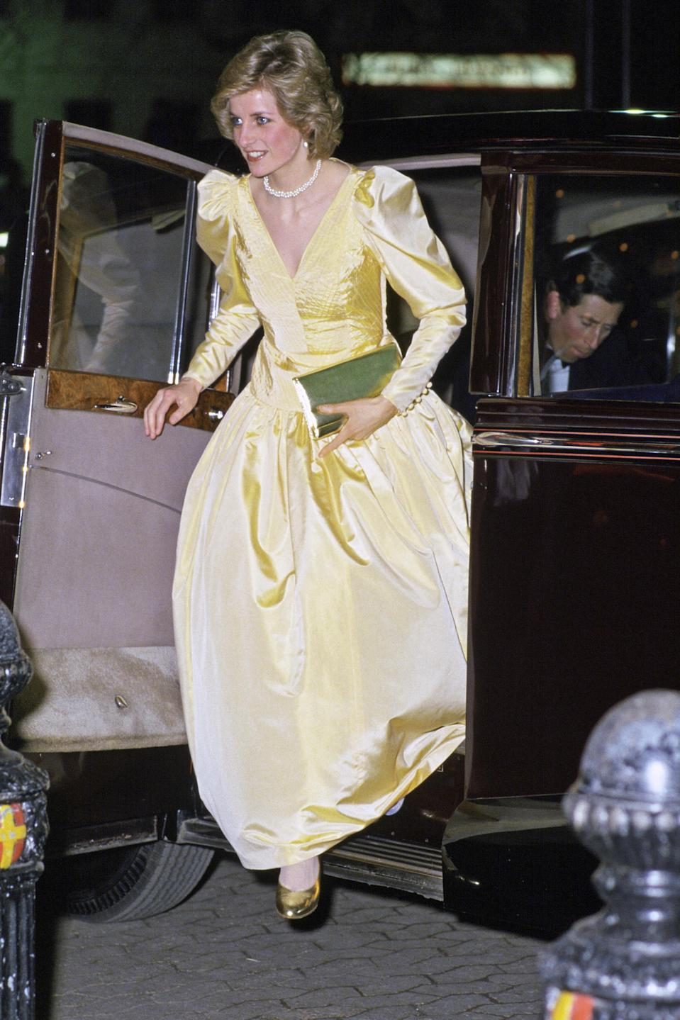 <p>The late Princess of Wales chose a sorbet gown by Murray Arbeid for the premiere of '2010'. <em>[Photo: Getty]</em> </p>