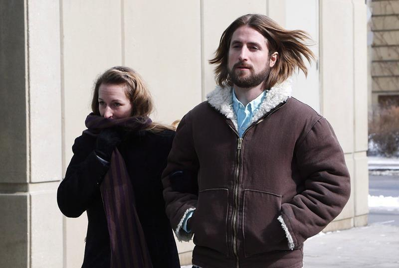 Alberta couple facing new trial in son's meningitis death want charge dropped