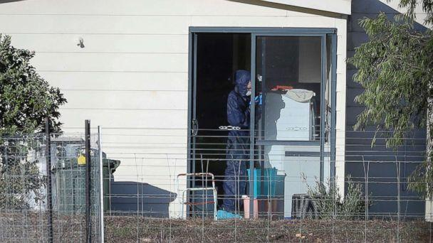 PHOTO: Police forensics investigate the death of seven people in a suspected murder-suicide in Osmington, east of Margaret River, Australia, May 11, 2018. (Richard Wainwright/AAP Image via AP)