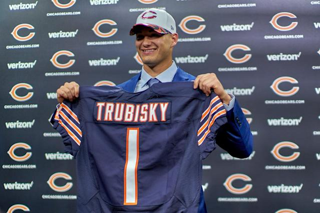 Mitchell Trubisky poses with his Chicago Bears draft jersey after being selected in the 2017 NFL draft. (Photo by Robin Alam/Icon Sportswire via Getty Images)