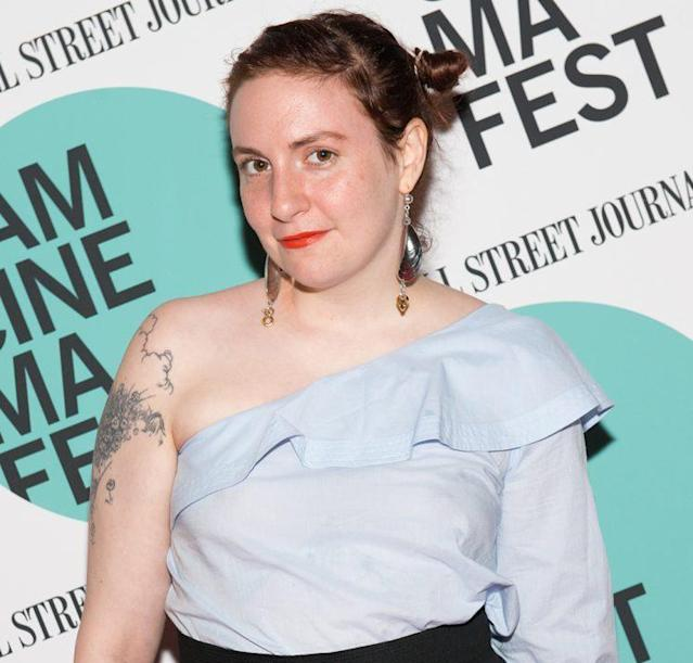 Lena Dunham has no trouble showcasing her face and not hiding behind hair. (Photo: Noam Galai/WireImage)
