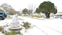 Arctic blast brings snow to Texas