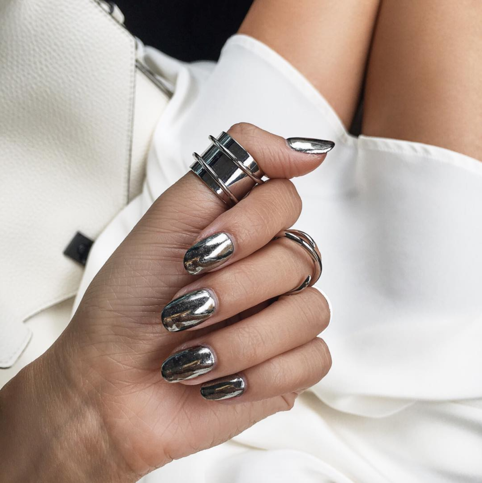 <p>These mirrored manicures are set to take over in 2017. Although you can use a number of complicated techniques, plenty of brands have started releasing their own foil varnishes. <i>[Photo: Instagram/notjessfashion]</i> </p>
