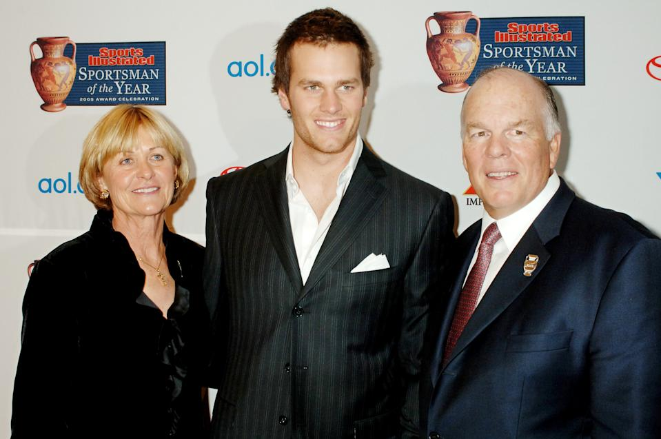 Tom Brady, center, with mother Galynn and father Tom Brady Sr.