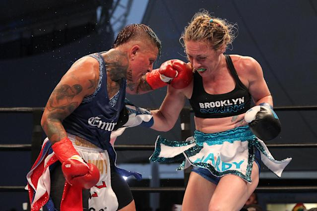 Shelly Vincent (L) and Heather Hardy battle in a memorable 2016 fight on Coney Island. They will rematch on HBO at Madison Square Garden on Oct. 27 for the vacant WBO featherweight title. (Getty Images)