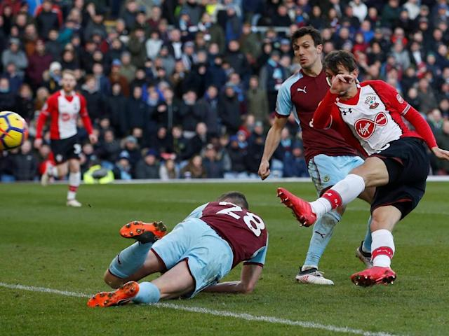 Manolo Gabbiadini strikes late to salvage draw for Southampton at Burnley