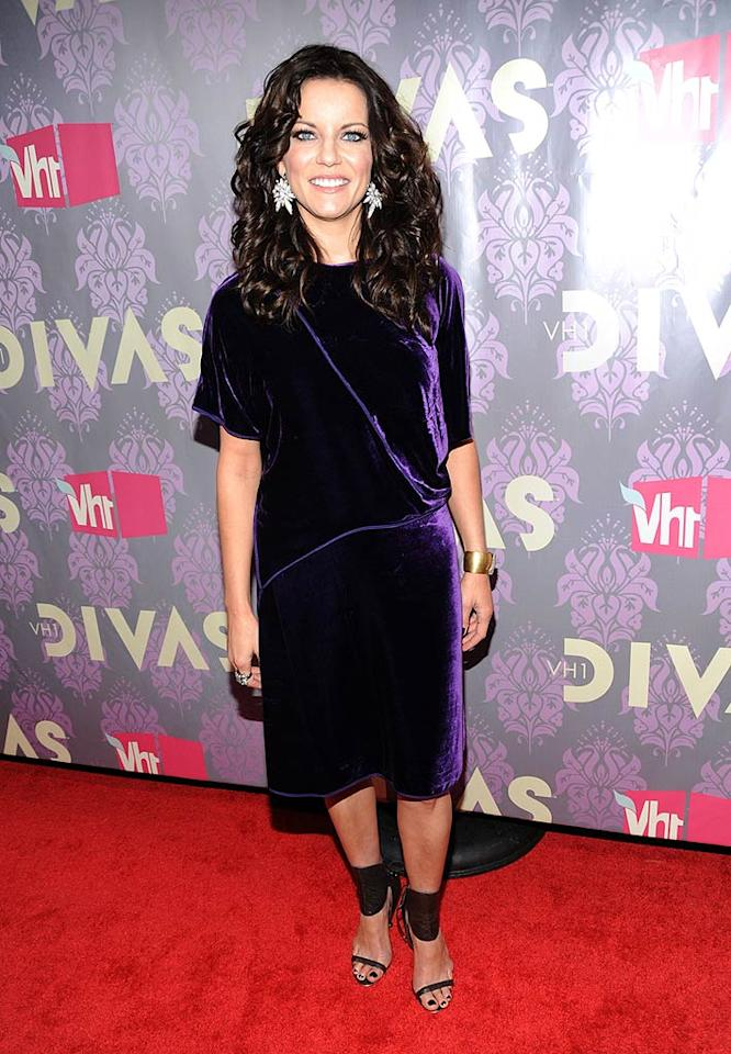 "Not only is Martina McBride's unshapely purple potato sack unflattering, it's also ... velvet! Kevin Mazur/<a href=""http://www.wireimage.com"" target=""new"">WireImage.com</a> - September 17, 2009"