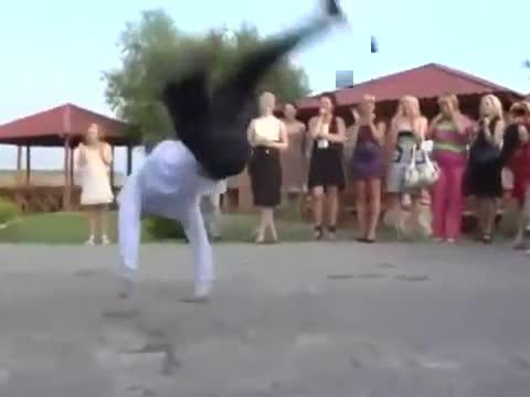 Best mother-son wedding dance ever? Duo wow guests with choreographed routine