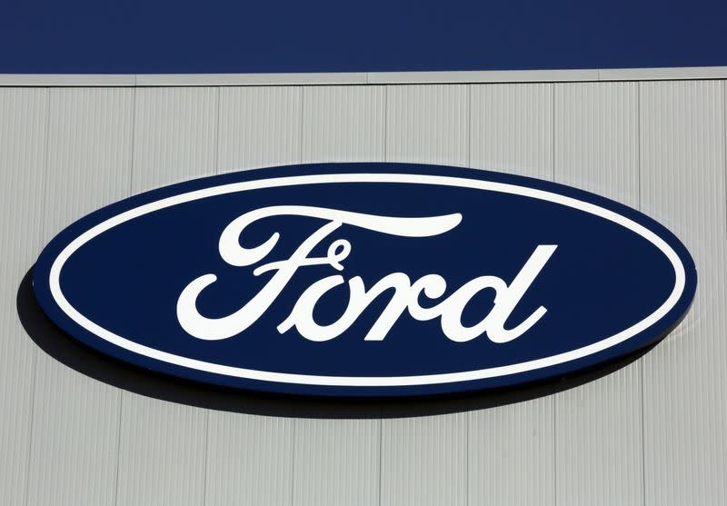 Ford to invest $1.46 billion in Canada plants as part of Unifor union deal