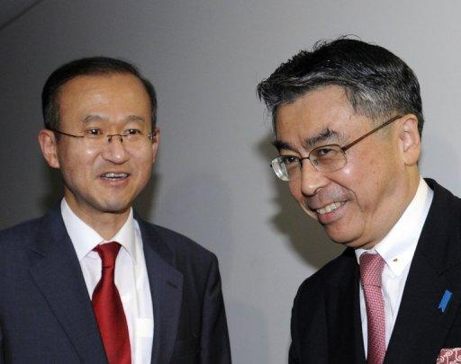 Lim Sung-Nam (L), South Korea's chief nuclear envoy and his Japanese counterpart Shinsuke Sugiyama, pictured in 2011