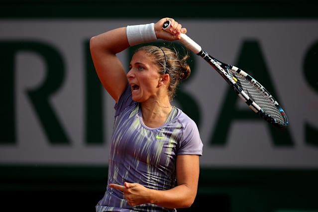 PARIS, FRANCE - JUNE 06: Sara Errani of Italy plays a forehand in her womens' singles semi-final match against Serena Williams of United States of America during day twelve of the French Open at Roland Garros on June 6, 2013 in Paris, France. (Photo by Julian Finney/Getty Images)