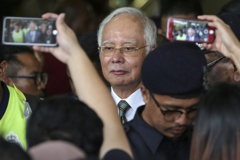 Datuk Seri Najib Razak today insisted DAP adviser Lim Kit Siang admit that the former prime minister had received the RM2.6 billion donation from a Saudi Prince. — Picture by Azneal Ishak