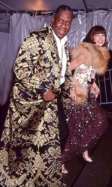PHOTO: Editor-at-large Andre Leon Talley and Editor-in-chief Anna Wintour attend the Costume Institute gala at the Metropolitan Museum of Art, New York in 1999. (Rose Hartman/Getty Images, FILE)