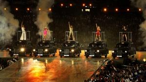 Olympics 2012: London Mayor Boris Johnson Busts a Move to the Spice Girls (Video)