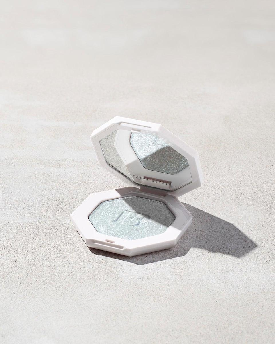 "<br><br><strong>Fenty Beauty</strong> Killawatt Freestyle Highlighter, $, available at <a href=""https://go.skimresources.com/?id=30283X879131&url=https%3A%2F%2Ffave.co%2F2SUuqWt"" rel=""nofollow noopener"" target=""_blank"" data-ylk=""slk:Fenty Beauty"" class=""link rapid-noclick-resp"">Fenty Beauty</a>"
