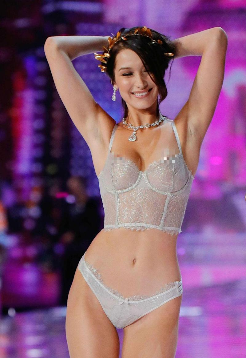 The American-born beauty stunned in the show in a sexy silver lace lingerie set and gold wreath crown. Source: Getty