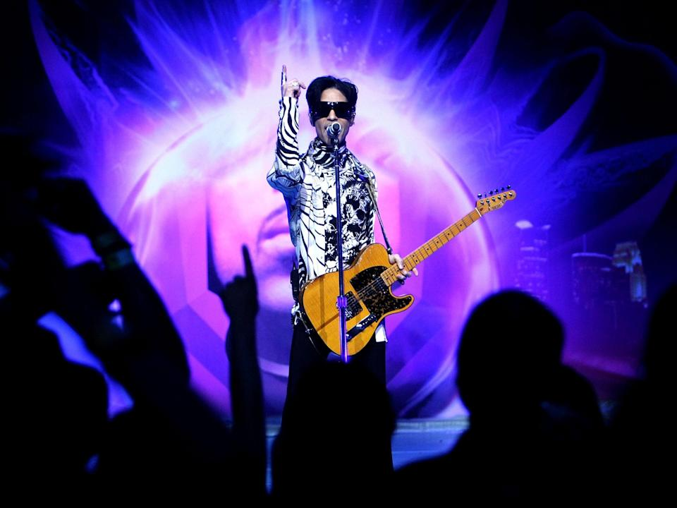 Prince performing in 2009 (Getty)