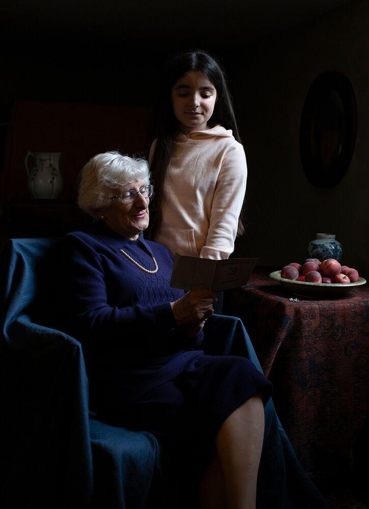 Yvonne Bernstein with her granddaughter in a portrait by Kate Middleton | The Duchess of Cambridge