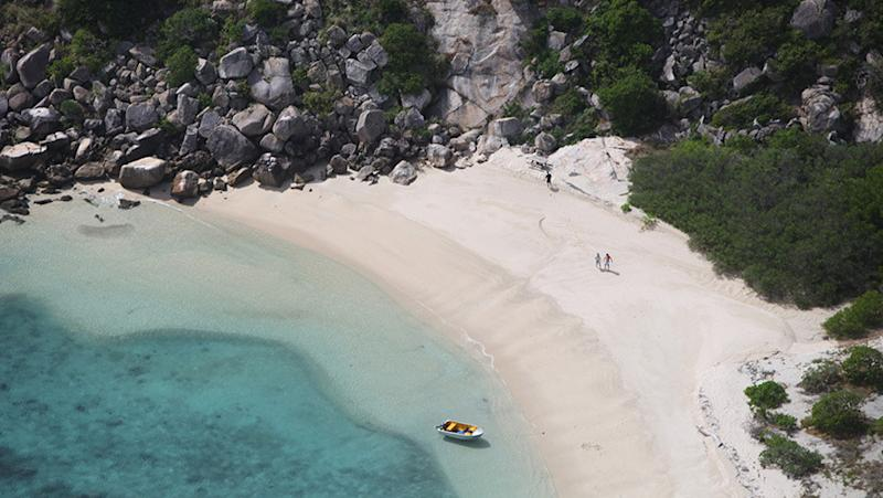 Leading island resort to reopen in 2015