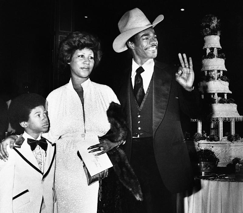 Franklin was married twice and had four children. She's seen here during her wedding to GlynnTurman in 1978. (Photo: Doug Pizac/AP)