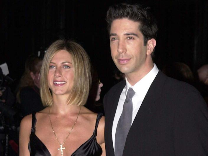 Jennifer Aniston and David Schwimmer posing together at the 2001 Peoples Choice Awards.