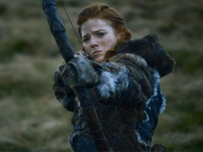 Game of Thrones Ygritte shoots Jon Snow