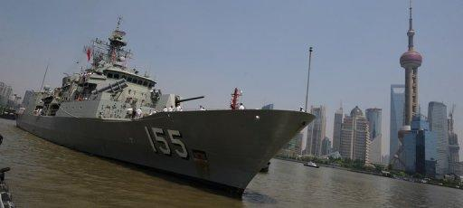 The Australian frigate HMAS Ballarat arrives in Shanghai