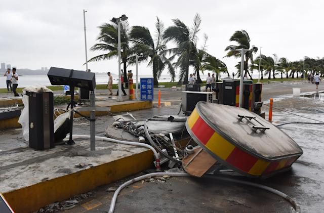<p>A toll booth is damaged by typhoon Hato in Zhuhai, south China's Guangdong Province, Aug. 23, 2017. (Photo: Lu Hanxin/Xinhua via ZUMA Wire) </p>