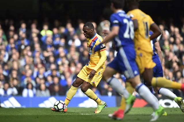 <p>Crystal Palace's Christian Benteke scores their second goal </p>