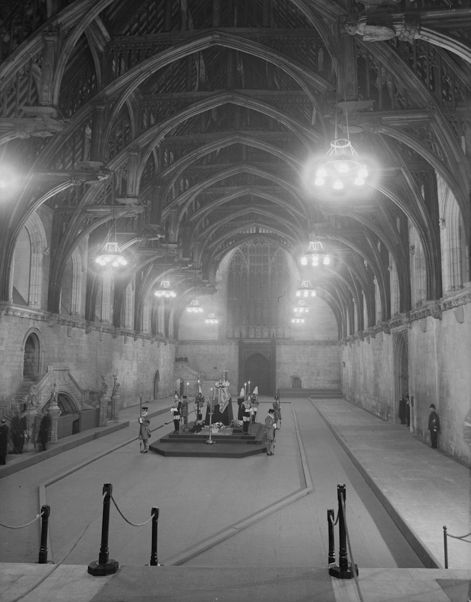 12th February 1952:  The body of  King George VI lying in state at Westminster Hall, London, until his funeral.  (Photo by Stroud/Express/Getty Images)