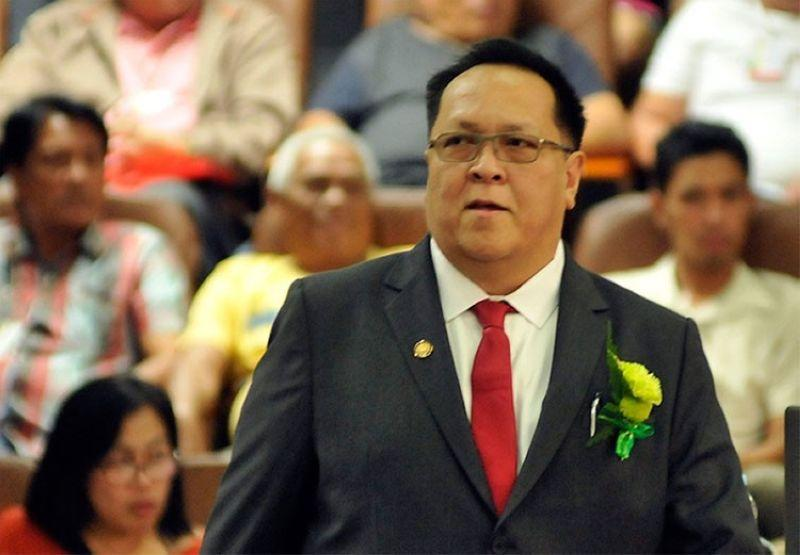 Ex-councilor James Cuenco to replace dad in City Council
