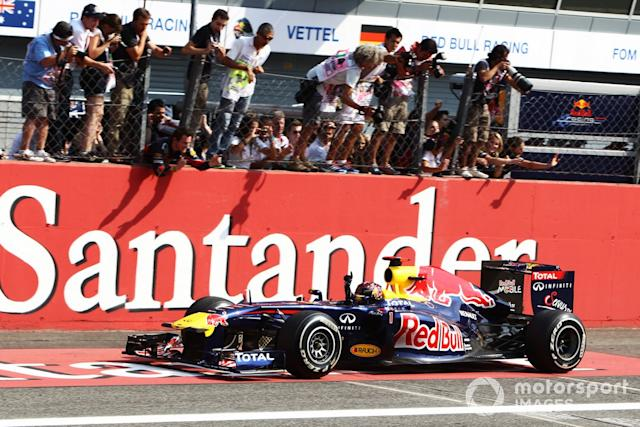 "Sebastian Vettel, Red Bull Racing RB7 <span class=""copyright"">Motorsport.com</span>"
