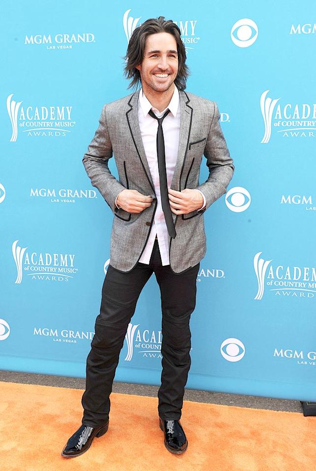 """Jake Owen  Grade: B+   The only problem with the sexy singer's mod style was his unkempt 'do, which appeared to have been affected by an """"Eight Second Ride"""" at the rodeo. Denise Truscello/<a href=""""http://www.wireimage.com"""" target=""""new"""">WireImage.com</a> - April 18, 2010"""