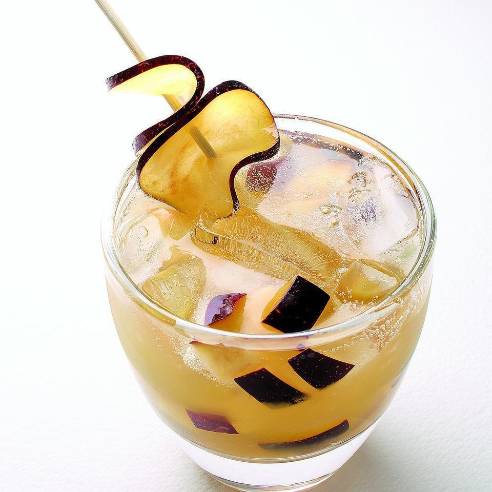 <p>Your favorite stone fruit stars in this sparkling punch.</p>